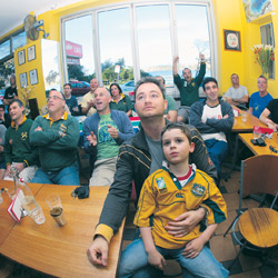 South African supporters watching the 2007 Rugby World Cup final in France at Speedo's Cafe in Bondi. Photo: Ingrid Shakenovsky
