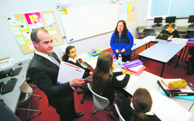 Victorian state educatioin minister and deputy premier, James Merlino visiting Glen Eira College to look at the UJEB programs and hebrew classes. Photo: Peter Haskin
