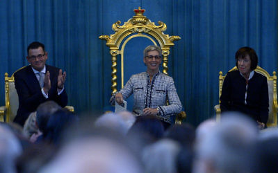 Linda Dessau is (centre) is proclaimed Governor of Victoria and sworn into office at an official ceremony at Government House in Melbourne, Wednesday, July 1, 2015. (AAP Image/Tracey Nearmy)