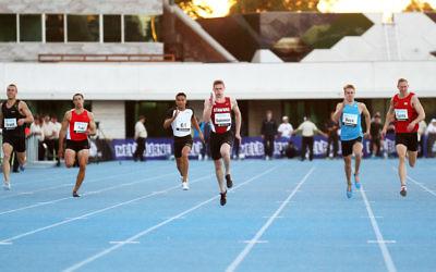Steve Solomon at the 2014 Australian Athletic Championships. Photo: Peter Haskin