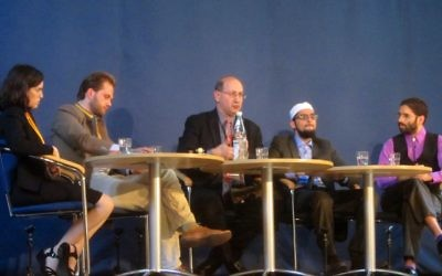 Jeremy Jones (centre) speaking at the Muslim Jewish Conference.