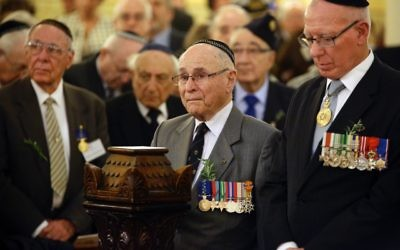 David Hurley (right) with former FAJEX president Wesley Browne at the Centenary of Jewish Anzac ceremony held at The Great Synagogue.