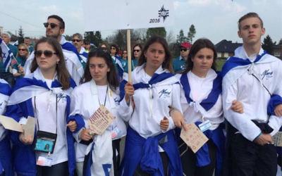 Year 11 students on the MOTL on Yom Hashoah. From left: Emma Stone, Shani Langer, Aimee Raitman, Jade Laishevsky, Indigo Penn and Jack Zuckerman.