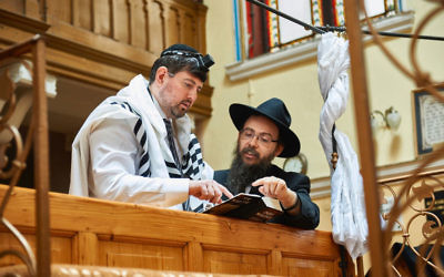 Former right-wing politician Csanad Szegedi in a synagogue with Rabbi Boruch Oberlander in Keep Quiet.