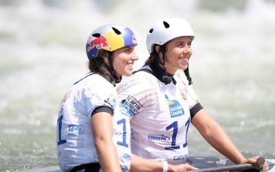 Jessica (left) and Noemie Fox at the women's C1 final at the Australia Open. Photo: Delly Car/Australian Canoeing