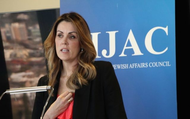 Peta Credlin speaking about her Rambam Israel study tour experience at an AIJAC debriefing luncheon last week. Photo: Shane Desiatnik