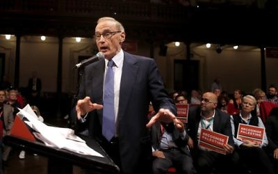 Bob Carr addressing NSW State Labor Conference on Sunday. Photo: AAP Image/Daniel Munoz.