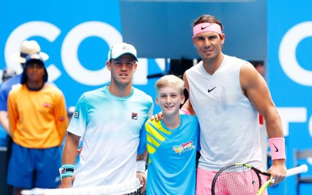 Diego Schwartzman (left) and Rafael Nadal pose for a photo before their fourth round clash. Photo: Peter Haskin
