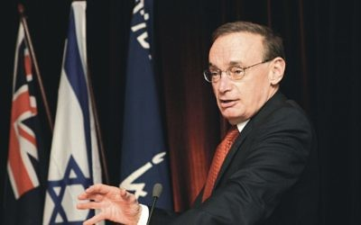 Bob Carr in friendlier times at a 2005 Friends of the Hebrew University function. Photo: Nathan Smith