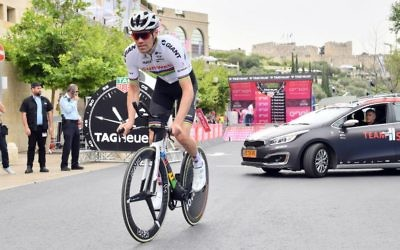 Giro d'Italia defending champion Tom Dumoulin in the Jerusalem time trial on May 4. Photo: Massimo Paolone/LaPresse