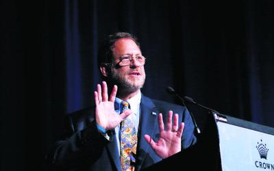 Yosef Abramowitz addresses Caulfield Shule's Yom Ha'atzmaut breakfast event. Photo: Peter Haskin