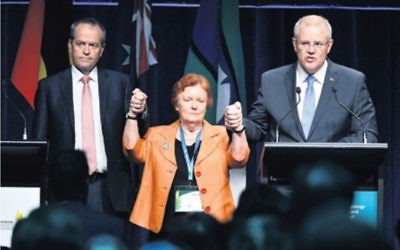 In a rare moment of unity Prime Minister Scott Morrison, Opposition Leader Bill Shorten and Cheryl Edwards, who led the advisory group for the apology, came together to apologise to survivors of institutional child sexual abuse. Photo: AAP Image