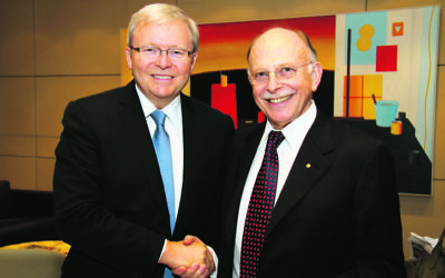 Kevin Rudd (left) and Mark Leibler in 2011. Photo: Peter Haskin