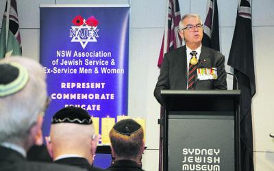 Keynote speaker at the NAJEX Jewish Remembrance Day service, Lieutenant General Ken Gillespie. Photo: Shane Desiatnik