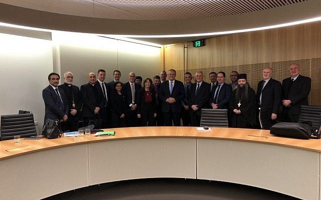 Prime Minister Scott Morrison (centre) with faith community leaders.