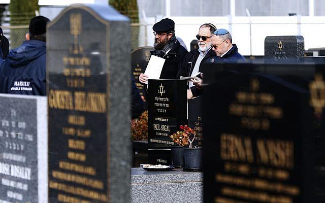 Paul Segal's consecration at Melbourne Chevra Kadisha cemetery in Springvale last Sunday. Photo: Peter Haskin.