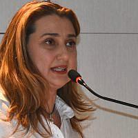 Anna Maylis.