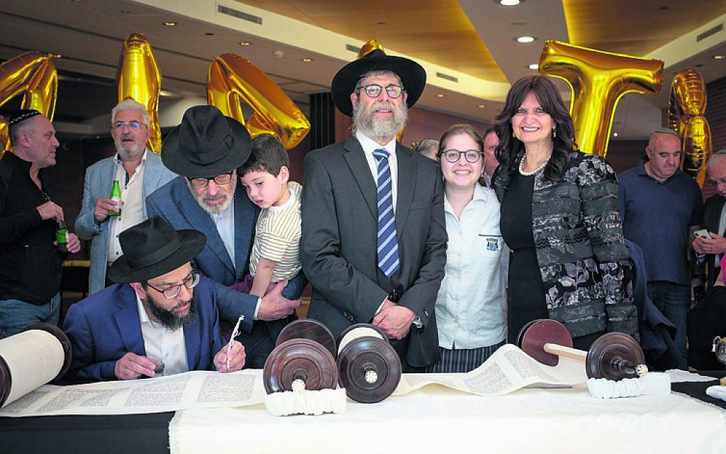 From left: Rabbi Shlomo Israel, Manfred Levy, Dovi Shapiro, Dr Harry, Rivka and Ester Hirschowitz.
