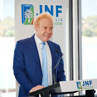 Anthony Pratt speaks at JNF's Gold Patrons Lunch. Photo: Dean Schmideg