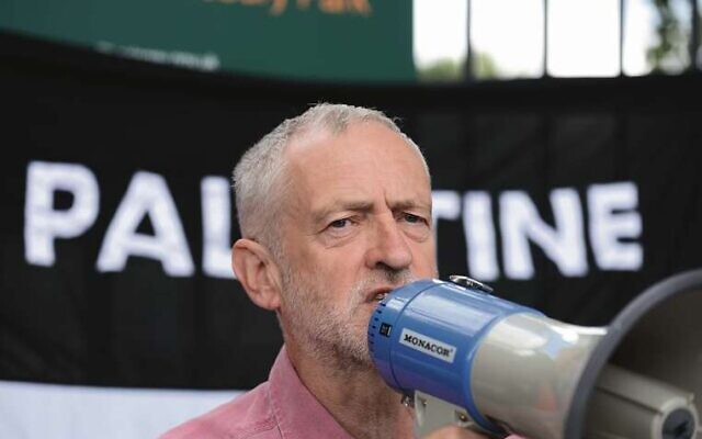 Jeremy Corbyn at a pro-Palestinian rally in 2014. Photo: AAP Image/Newzulu/Dave Evans