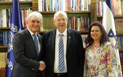 From left: Keren Hayesod-UIA World Board of Trustees chairman Steven Lowy, Reuven Rivlin and Judy Lowy.