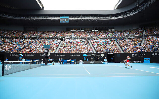 26-1-20. Australian Open 2020. Men's fourth round. Diego Schwartzman lost to world number 2 Novak Djokovic 3-6, 4-6, 4-6. Photo: Peter Haskin