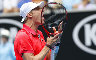 Denis Shapovalov shows his frustration during his first-round loss on Monday. Photo: Peter Haskin