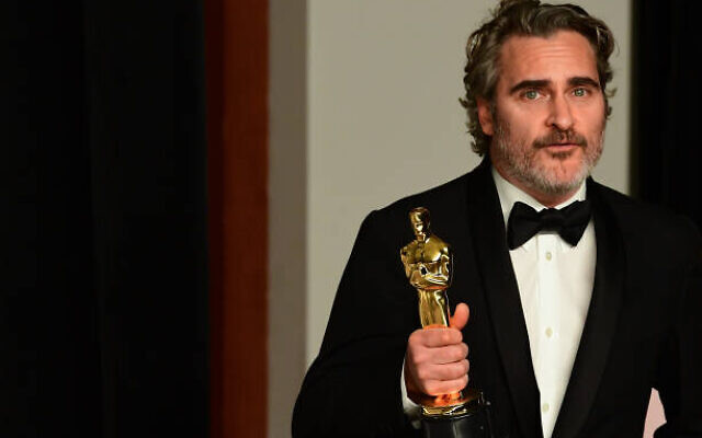 Joaquin Phoenix with his Oscar. Photo: Twitter