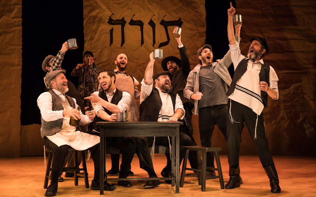 New York's National Yiddish Theatre Folksbiene's production of A Fidler afn Dakh (Fiddler on the Roof) performed in Yiddish. Photo: Matthew Murphy