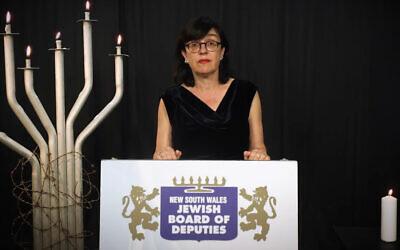 Fiona Harari spoke at the Yom Hashoah commemoration.