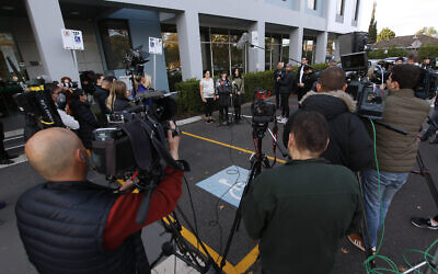 27-5-20. Press conference at Glen Eira Town Hall with Dassi Erlich, Elly Sapper, Nicole Meyer, Josh Burns, David Southwich at Ted Baillieu after the announcement in Israel that Malka Leifer is fit to stand trial for extradition to Australia. Photo: Peter Haskin