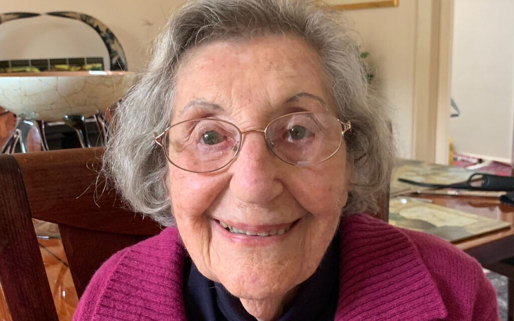 Victoria's oldest COVID survivor