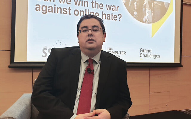 Dr Andre Oboler giving a talk at the University of NSW in 2019.