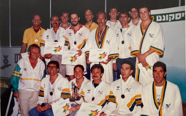 The 1989 Australian men's water polo team that won bronze at the Maccabiah Games.