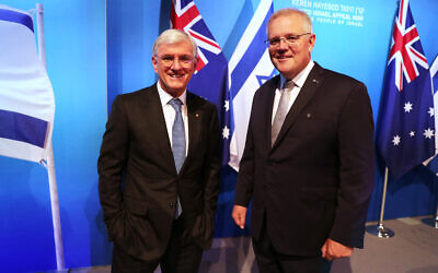 Prime Minister Scott Morrison and KH-UIA Board of Trustees chairman Steven Lowy at the UIA NSW dinner. Photo: Adam Taylor/PMO