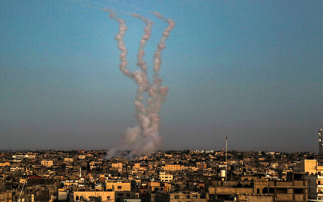 Rockets are launched towards Israel as it seen from Rafah, in the southern Gaza Strip, on May 14, 2021. Photo by Abed Rahim Khatib/Flash90 *** Local Caption *** עזה רצועת עזה פלסטינים רקטה חמאס