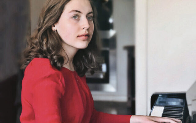 Pianist Miriam Rotblat won the major prize at last year's Showcase.