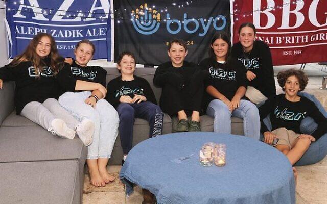 BBYO NSW participants enjoy a Havdallah event in 2020.