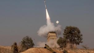 جهاز الدفاع القبة الحديدية 2012 (بعدسة يوري لينز/ فلاش 90)
