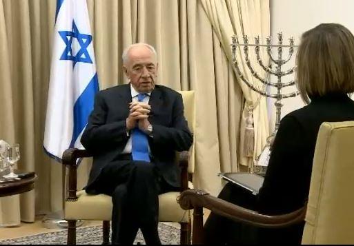 شمعون بيريس خلال مقابلة صحفية من مسكن الرئيس في القدس 2013 (photo credit: image capture from www.cnnturk.com)
