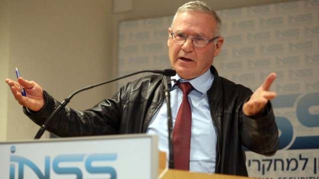 عاموس يادلين المدير السابق للمخابرات العسكرية، يناير 2012 (Gideon Markowicz/Flash90)