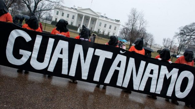 اعتصام للمطالبة باغلاق غوانتانمو امام البيت الابيض 11 يناير 2014 (أ ف ب نيكولاس كام)