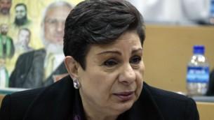 المسؤولة في منظمة التحرير الفلسطينية حنان عشراوي (Ahmad Gharabli/Flash90)