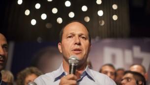رئيس بلدية القدس نير بركات بعد فوزه بالانتخابات 2013 (بعدسة يوناتان سنايدل/ فلاش 90)