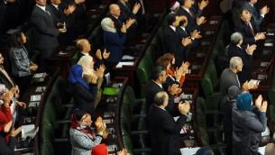 البرلمان التونسي 27 يناير 2014 (أ ف ب)