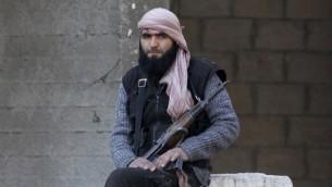معارض اسلامي سوري من قوات المعارضة 18 فبراير 2014 (أ ف ب)