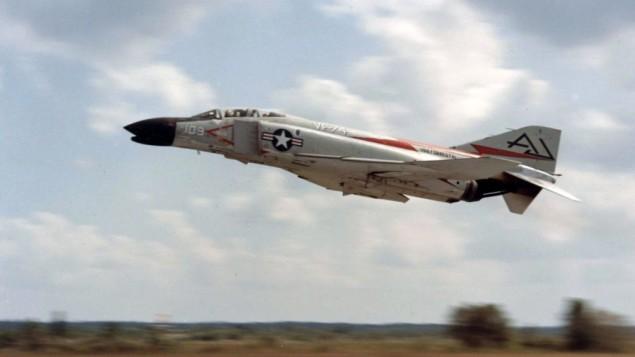F4 طائرة الفانتوم الامريكية (photo credit: US Navy)