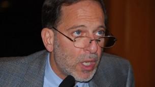 المؤلف والباحث التاريخي رشيد الخالدي الحاصل على منصب مقعد ادوارد ساعيد في جامعة كولومبيا 2009 (Next Left Notes, Thomas Good / NLN/ via wikipedia)