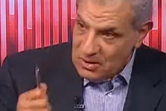 ابراهيم محلب في آخر ظهور له على شاشة التلفزيون المصري قبل تكليفه بتشكيل الحكومة (من شاشة اليوتوب OnTv livestreaming)
