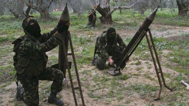 اعضاء الجهاد ألأسلامي يطلقون النيران على اسرائيل من قطاع غزة ((photo credit: CC BY-SA Amir Farshad Ebrahimi, Flickr)